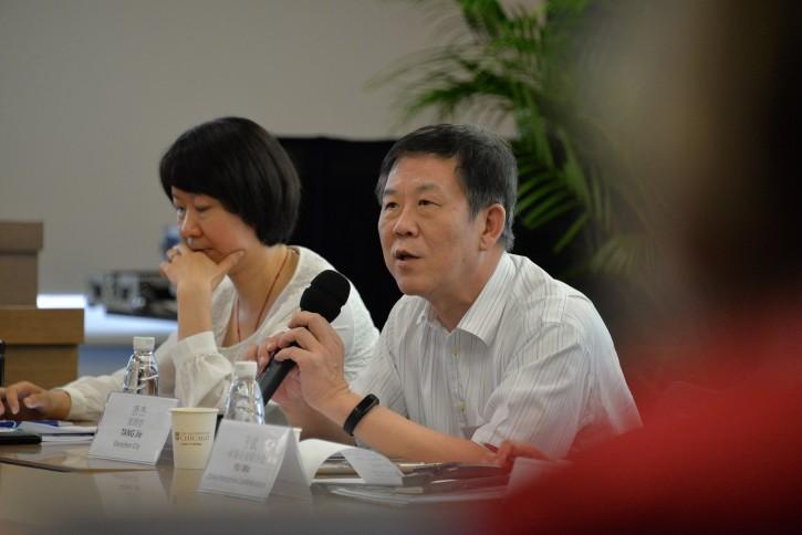 深圳市副市长唐杰介绍深圳的碳排放权交易制度试点经验。